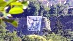 bandierone_striscione_contro_ripartenza_campionato_foto10